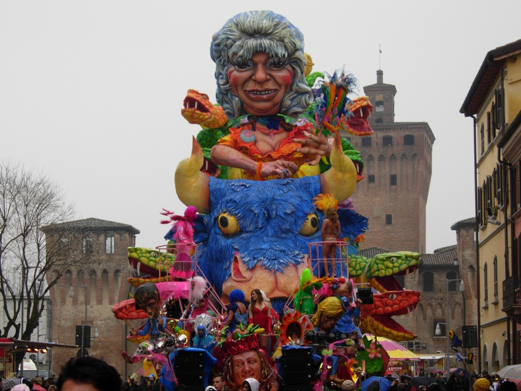 Carnevale in Cento (Ferrara) is an experience not to be missed. Where else can you see a 10m tall purple chicken?!