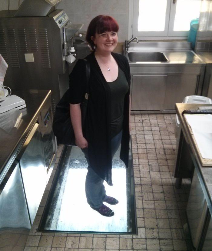 Laura pavimento gelateria
