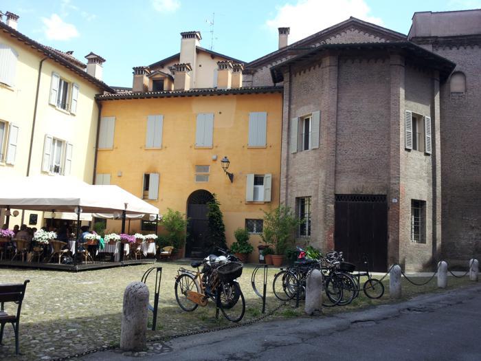 Modena centro piazza