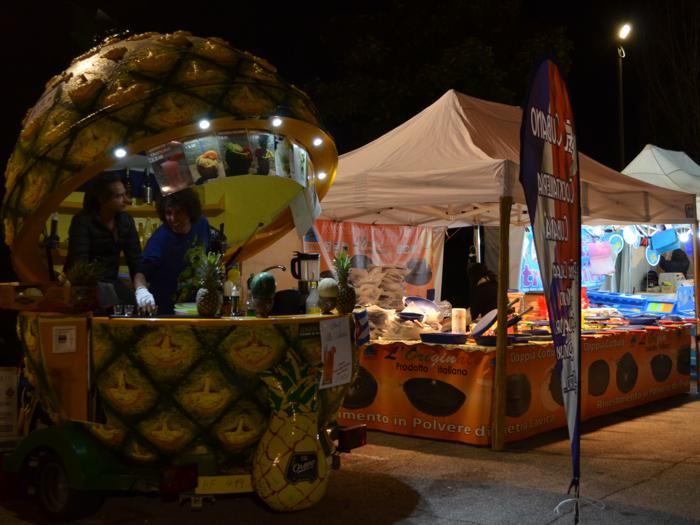 Pineapple stall Isola